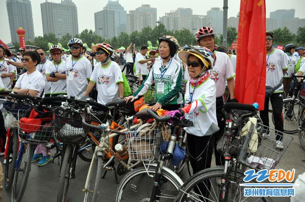 全国百城市自行车赛(郑州赛区)在郑州成功举办--新闻